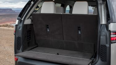 Land Rover Discovery 2017 boot