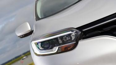 MG GS vs rivals - Renault Kadjar headlight