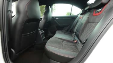 Skoda Octavia vRS 245 - rear seats