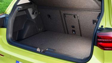 Volkswagen Golf Mk8 - boot