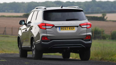 SsangYong Rexton - rear action