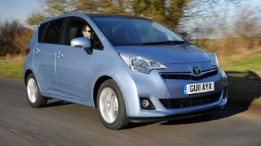 Toyota Verso-S front tracking
