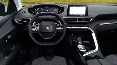 Peugeot 3008 brown - interior