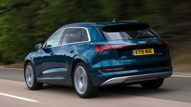 Audi e-tron - rear tracking
