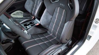 Volkswagen Golf GTI Clubsport - front seats