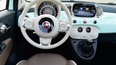 Fiat 500C 2015 interior