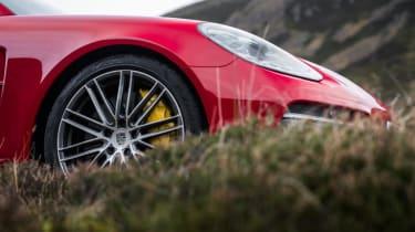 Porsche Panamera Turbo - front profile