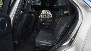 Used Land Rover Discovery 5 - seats