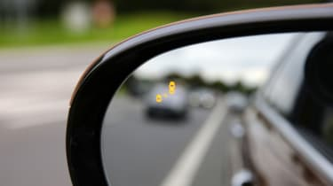 Kia Sorento 2.2 CRDi KX-4 auto - mirror