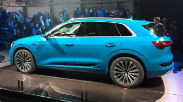 Audi e-tron - reveal side static