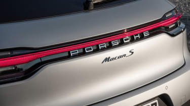 Porsche Macan S - rear light
