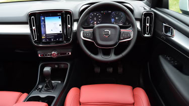 Volvo XC40 T3 - interior