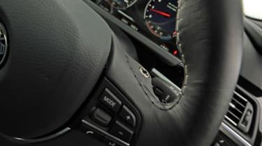 Alpina B6 Turbo paddles