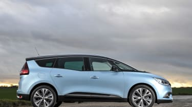 Renault Scenic and Grand Scenic Hybrid Assist - 12