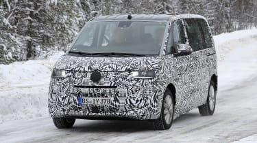 Volkswagen Transporter T7 spy - front