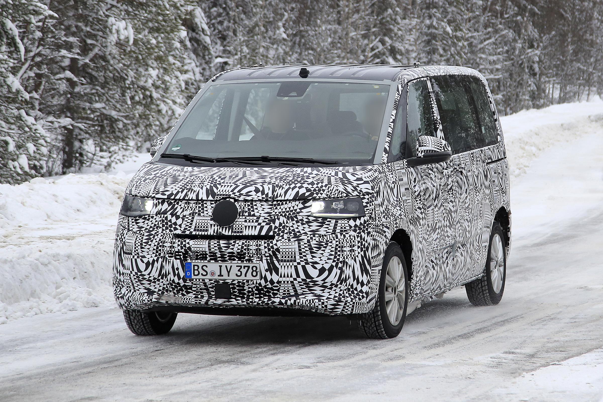 New 2021 Volkswagen Transporter T7 caught on camera | Auto ...