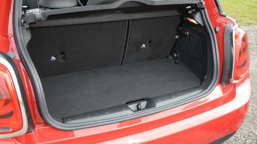MINI Cooper D 2014 boot
