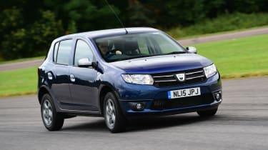 Dacia Sandero - front action