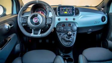 Fiat 500 Mild Hybrid - dash