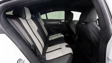 Peugeot 508 Hybrid - rear seats