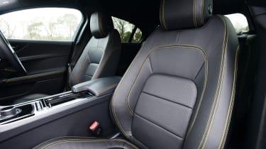 Jaguar XE 300 Sport - seats