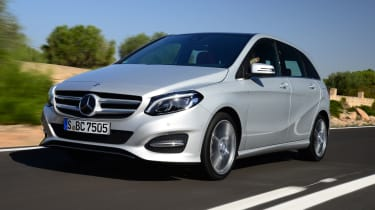 Mercedes B220 CDI 4MATIC Sport - front tracking