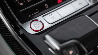 Audi S8 - start/stop