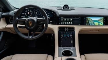 Porsche Taycan Turbo S - dash