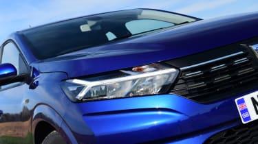 Dacia Sandero - headlight
