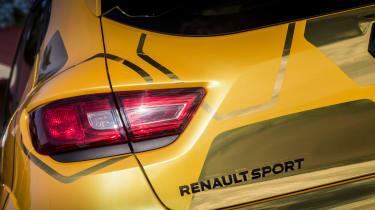 Renault Clio RenaultSport R.S.16 2016 - rear light