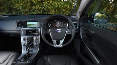 Volvo V60 D5 Twin Engine - interior