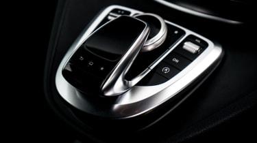 Mercedes V-Class - gearshift