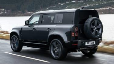 Land Rover Defender 110 V8 - rear