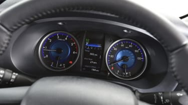 Used Toyota Hilux - dials