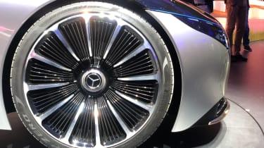 Mercedes EQS - wheel