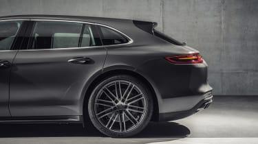 Porsche Panamera Sport Turismo - rear side