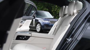 BMW 7 Series vs Range Rover - Range Rover