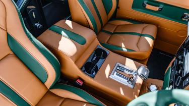 Overfinch Defender 90 -interior
