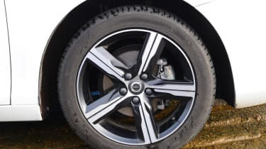 Volvo V40 long-term - first report wheel detail