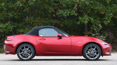 mazda mx-5 static profile roof up