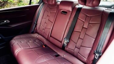 DS 9 - rear seats