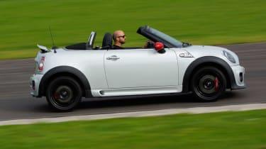 MINI JCW Roadster panning