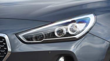 Hyundai i30 Tourer - front light