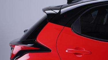Toyota Yaris - c-pillar studio