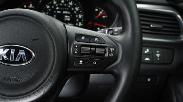 Kia Sorento - steering wheel detail