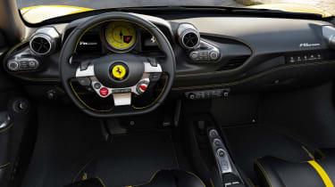 Ferrari F8 Spider - dash