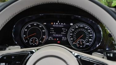 Bentley Bentayga V8 - Instruments