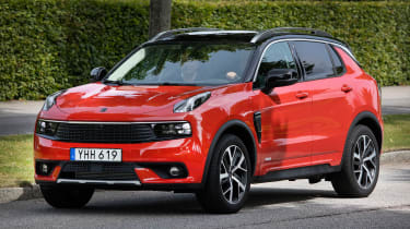 Lynk & Co 01 - front action