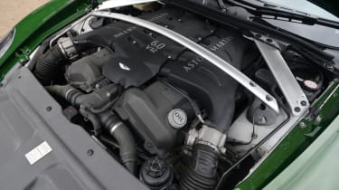 Kahn Vengeance - engine