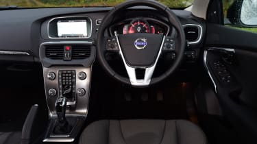 Volvo V40 Cross Country road test - dashboard